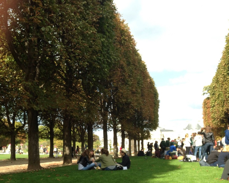 Jardin du Luxembourg, day two: On a sunny Saturday, I met friends for a picnic at the garden, joining a horde of other 18-to-20-somethings in snacking and sipping drinks on a stretch of grass we were forbidden to walk on, according to a sign.