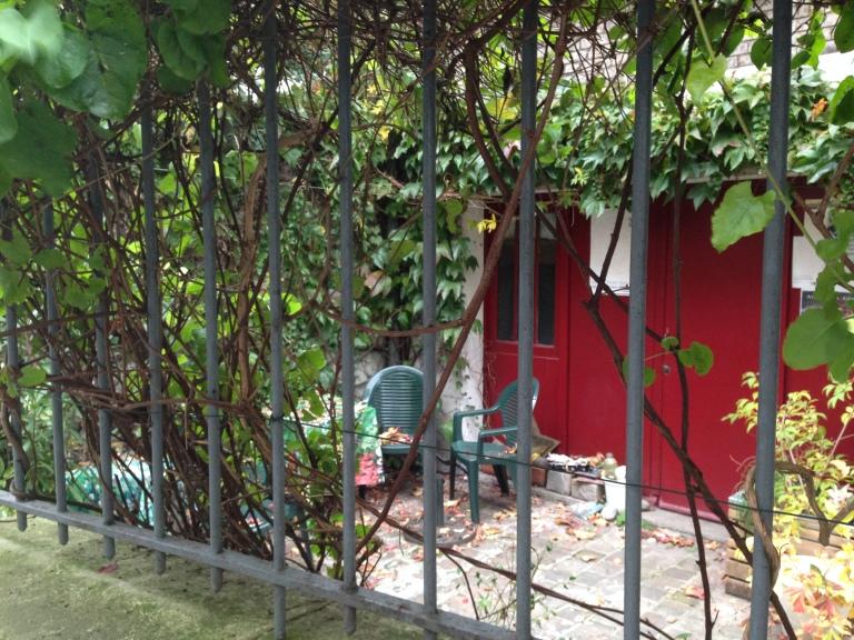 Paris-rue-de-Juillet-courtyard